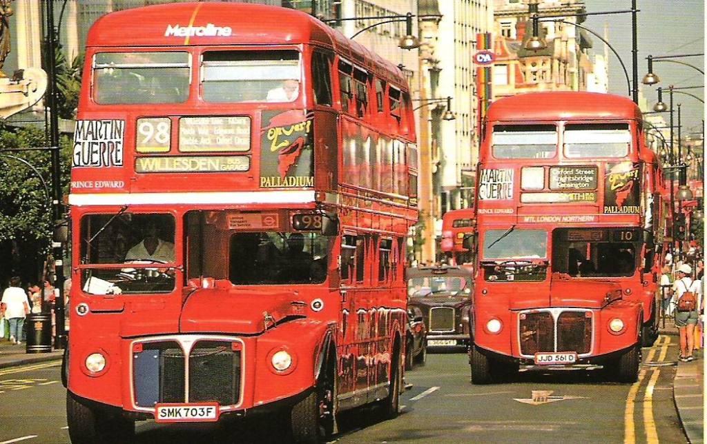 Retro 98 Bus